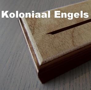gedenkteken houten voetje
